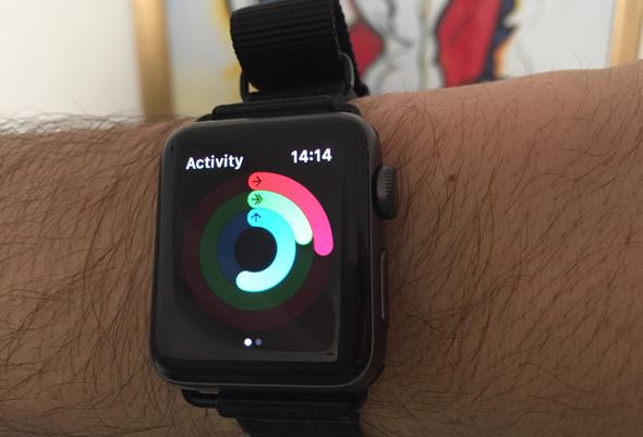 אפל ווטש 3 שעון חכם מחשוב לביש 6, צילום: עומר כביר