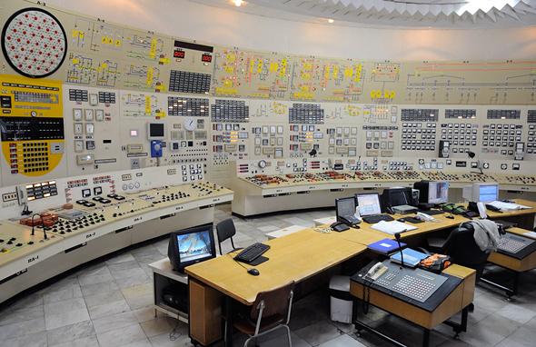 חדר בקרה של תחנת כוח, צילום: יובקו למברב (Yovko Lambrev CC-BY-3.0)