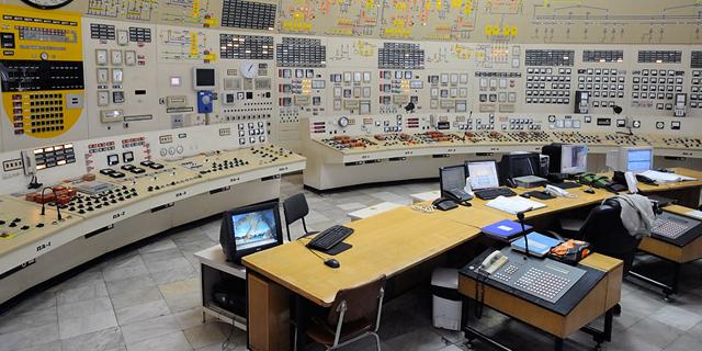 """עם היד על השאלטר: האקרים רוסים הצליחו לפרוץ לרשתות חשמל בארה""""ב"""