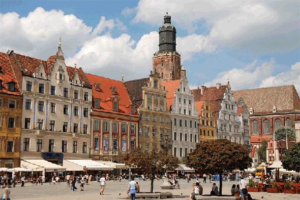 ורשה: פולין היא המדינה היחידה באירופה שכלכלתה לא קטנה במשבר הפיננסי העולמי ב-2008, צילום: MrsBrown