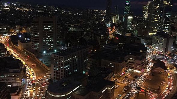 פקקי תנועה הערב בתל אביב, צילום: אלרן לוי