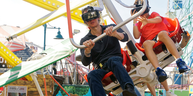 Visual Reality Headsets Are Coming to Amusement Parks