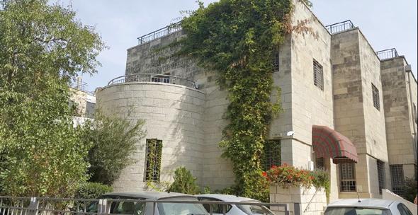 המבנה בשכונת בקעה בירושלים