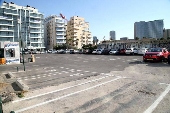 המגרש המוצע למכירה, סמוך לכרמלית בתל אביב
