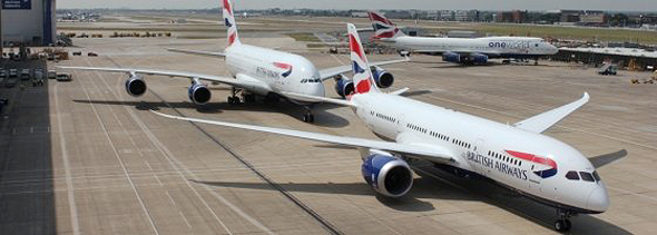 787 דרימליינר ומאחוריו A380