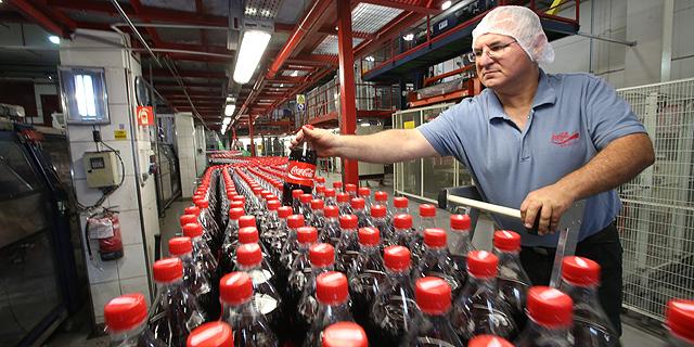 מפעל קוקה קולה, צילום: שאול גולן