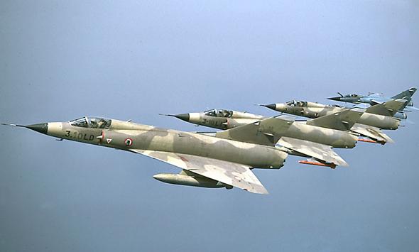 מטוסי מיראז' 3 ומיראז' F1 (ראשון מימין)