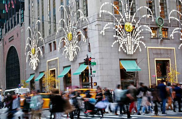 """חנות הדגל של טיפאני בשדרה החמישית במנהטן, ניו יורק. 28אלף דולר למ""""ר"""