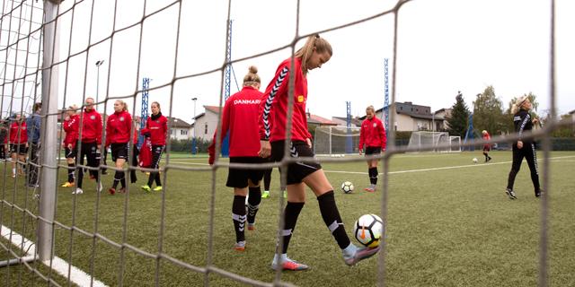"""נבחרת הנשים של דנמרק רצתה הטבה בתנאים, אופ""""א הענישה אותה"""