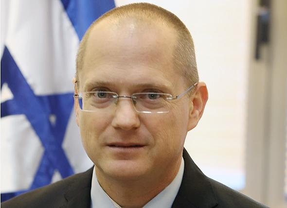 """ראש צוות המשא ומתן של ישראל ביתנו עודד פורר. """"לא נסכים לכפייה דתית"""""""