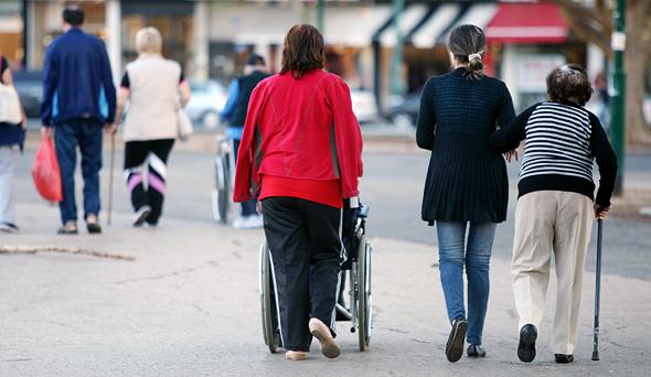 קשישים, צילום: עמית שעל