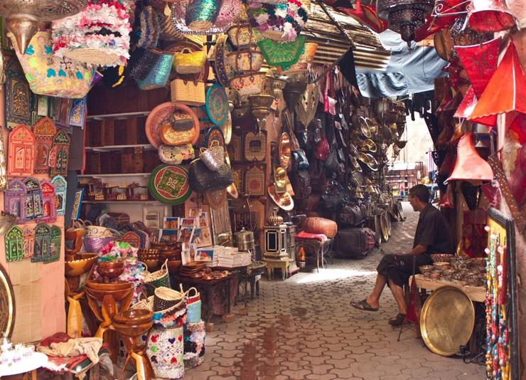 בדרך לחמאם עוצרים להתמקח בשוק. מרוקו, צילום: שאטרסטוק