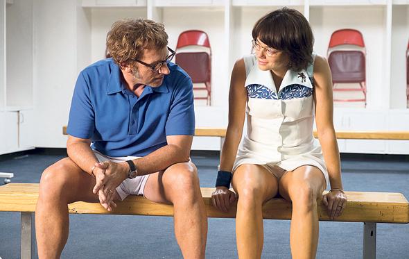 סטיב קארל ואמה סטון כשני טניסאים יריבים. הופעה שראויה לאוסקר