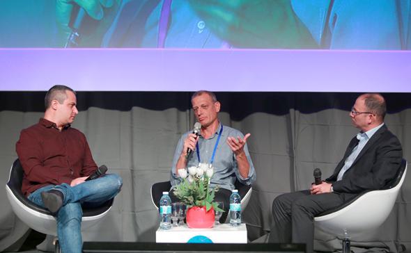 מימין: אבירם גביש, משה פירסט ואור הירשאוגה בפאנל אתגרי אבטחת מידע