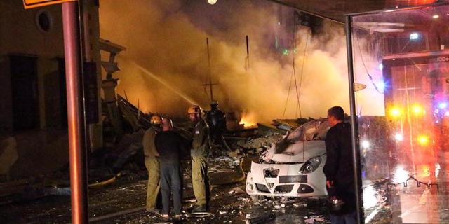 """3 הרוגים בפיצוץ ביפו: """"המבנה קרס לחלוטין, מכוניות התהפכו"""""""