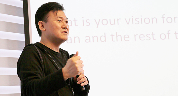 Rakuten CEO Hiroshi Mikitani  at Viber's Israeli offices in November. Photo: PR