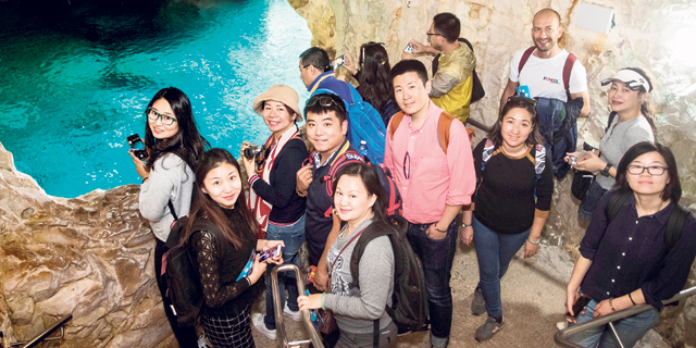 המשלוח מסין מתעכב: כך נלחמת ישראל כדי למשוך את אוכלוסיית התיירים הצומחת ביותר בעולם