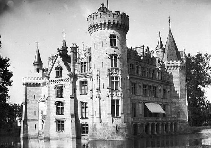 הארמון נבנה במאה ה-13. כך הוא נראה בשיא תהילתו, צילום: Getty
