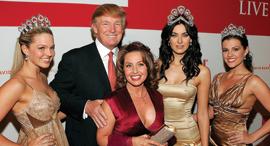 דונלד טראמפ עם זוכות אמריקאיות בתחרות מיס יוניברס 2006, צילום: גטי אימג'ס