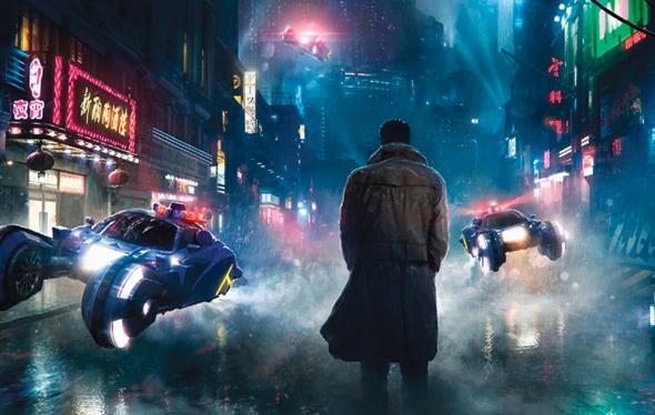 """מכוניות מעופפות בסרט """"בלייד ראנר 2049"""". """"צוות הפיתוח שלנו מאתר ולומד מחקרים מאוניברסיטאות ברחבי העולם והמצאות מדהימות של סטארט־אפים צעירים"""""""