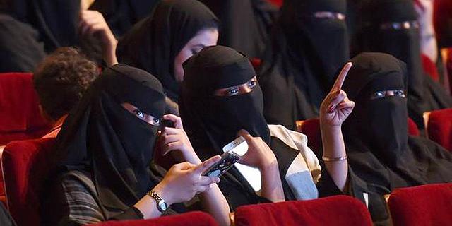 רשתות בתי הקולנוע הגדולות בעולם יפתחו עשרות אולמות בסעודיה