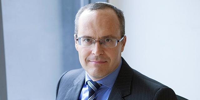 """עו""""ד אסף אנגלרד ממשרד המבורגר עברון, המייצג את בנק דיסקונט, צילום: גולי כהן"""