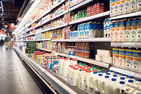 מוצרי חלב על המדף