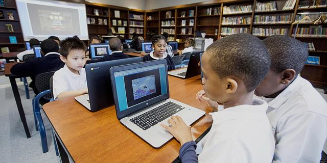כשלי החינוך הטכנולוגי: מחשב לכל ילד? עדיף מחברת ועיפרון