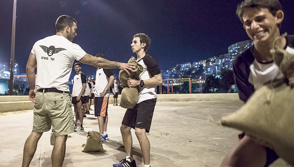 """אימון כושר קרבי. בארה""""ב הצבא משתף פעולה עם הוועד האולימפי האמריקאי, למה לא כאן?, צילום: טל שחר"""