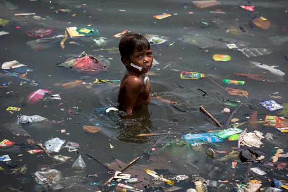 פסולת במים - סכנה עולמית