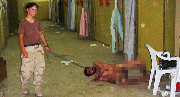 התעללות בעציר בכלא אבו גרייב של האמריקאים בעיראק. פיגועי 11/9 ובתי הכלא גואנטנמו ואבו גרייב הגבירו את הצורך בשיטת חקירות יעילה