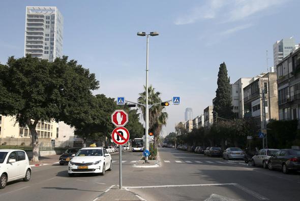 """רחוב ארלוזורוב כיום. לדברי יזם """"העירייה לא מחייה את הרחוב, היא מחלה אותו"""""""