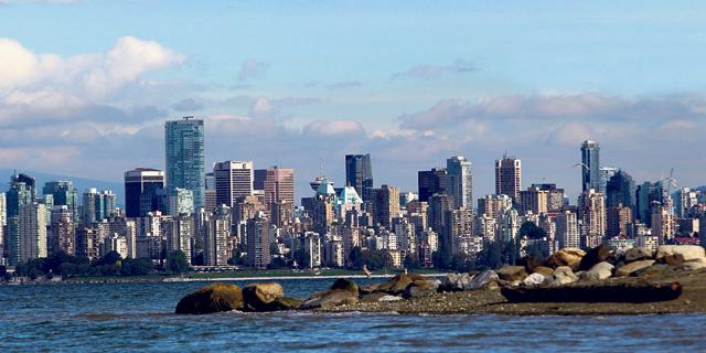 למרות המיסוי: רוכשים זרים מרתיחים את שוק הדיור הקנדי