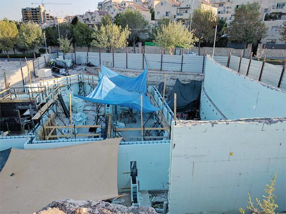 אתר בנייה שבו נעשה שימוש בשיטת בנייה מתקדמות של נודורה