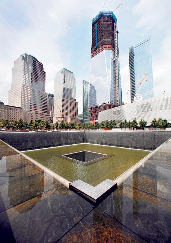 """האנדרטה שתכנן ארד לזכר קורבנות אסון התאומים. """"אני אוהב את ניו יורק, אבל הרגשתי בה אאוטסיידר. בעקבות מה שקרה נוצרה קהילתיות"""""""