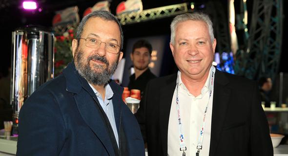 מימין: אילן גרינבאום ואהוד ברק, צילום: אוראל כהן