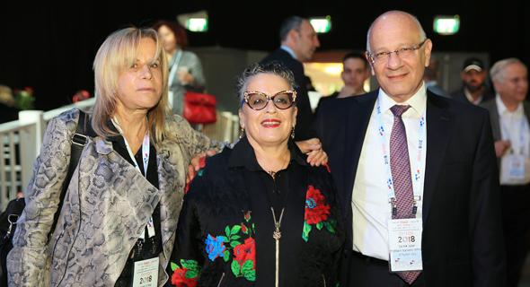 מימין: יעקב אורבך, חנה פריזן ועופרה פרויס, צילום: אוראל כהן