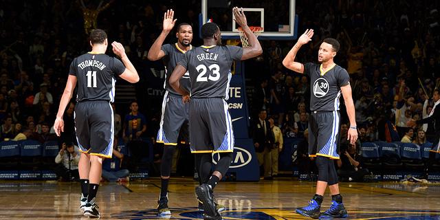 פלייאוף NBA מתחיל: האם גולדן סטייט ווריירס יכולה להתמודד עם השחיקה?