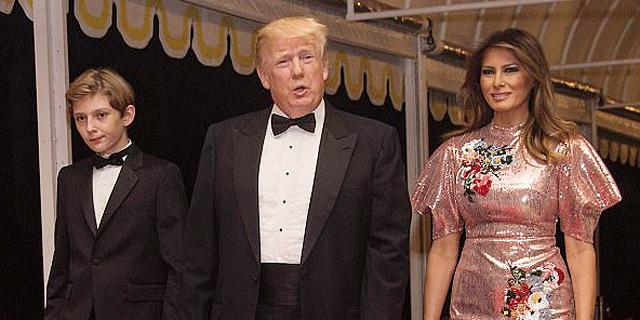רק רוצה לרקוד: טראמפ לא ויתר על נשף הסילבסטר המסורתי שלו וגבה 750 דולר בכניסה