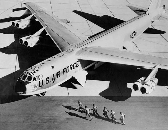 מפציץ B52 בגרסה מוקדמת