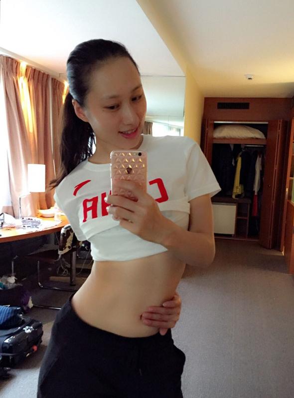 אתגר הפופיק. הסינים הופכים לישירים ובוטים כשזה נוגע למשקל והשמנה