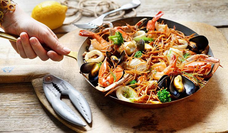 סרסואלה - תבשיל פירות ים ברוטב חמאה ולימונית עם שומר בר. 115 שקל. אדלינה, קיבוץ כברי