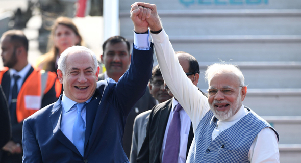 Israeli PM Benjamin Netanyahu with Indian PM Narendra Modi during a state visit to Mumbai. Photo: AFP