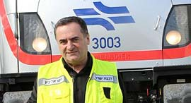 ישראל כץ בנסיעת קו הרכבת המהיר בין תל אביב לירושלים, צילום: דוברות משרד התחבורה