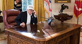 """שולחן העבודה של נשיא ארה""""ב דונלד טראמפ, צילום: The White House"""