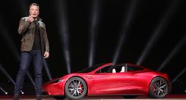 אלון מאסק טסלה מכונית חשמלית, צילום: רויטרס