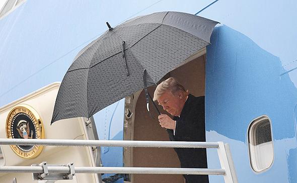 דונלד טראמפ ב איירפורס וואן, צילום: איי.אפ.פי