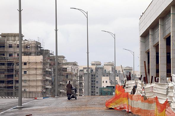 בנייה בחריש, צילום: עמית שעל