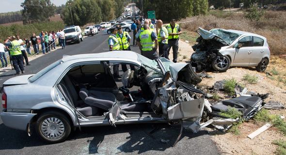Car accident, Israel. Photo: Gil Nehushtan