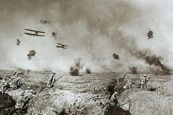 מטוסי צילום ותקיפה מעל שדה קרב במלחמת העולם הראשונה